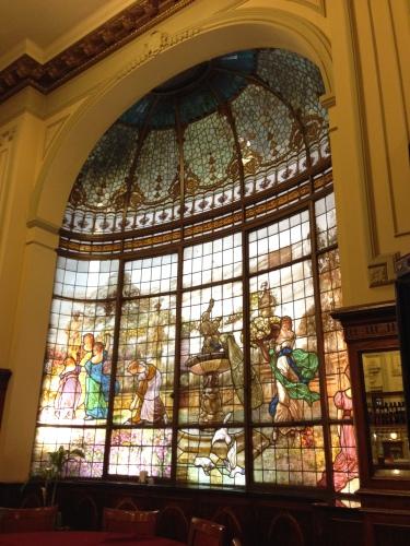foto: Virginia Blanco  La confitería Las Violetas, sede no oficial de nuestro blog
